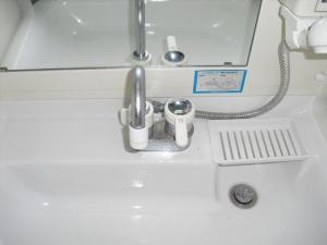 洗面蛇口水漏れ.jpg