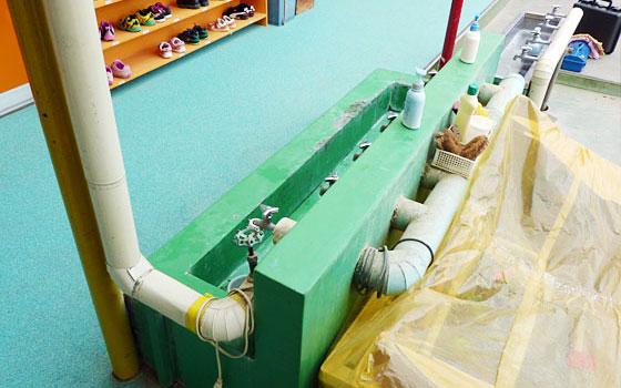 保育園の給水管洗浄