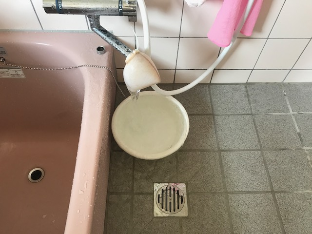 お風呂場水道管洗浄